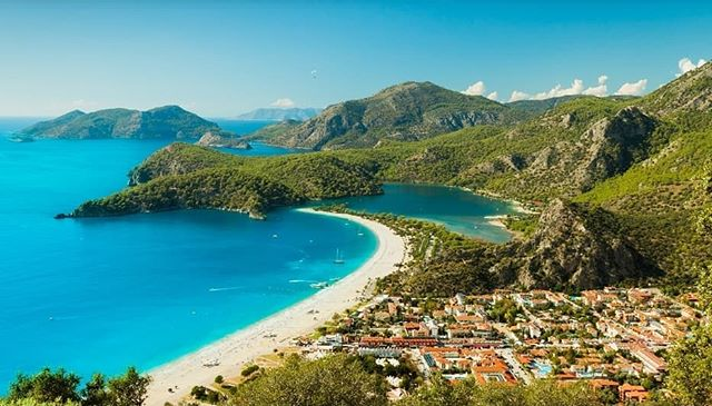 Who fancies a yoga holiday in the beautiful Oludeniz, Turkey 28th March to 4th April 2020?  This yoga holiday will include 2 yoga sessions per day and group therapy for you to get the most out this investment in yourself,  and you'll be served beautiful, healthy and locally inspired food. You will also have plenty of free time to explore Oludeniz. ⛱  Oludeniz has a Blue Flag-winning mile-long curl of sand and shingle leading up to the lagoon. It's bordered by a promenade that's packed with local restaurants. And in the village behind the beach, which has kept its development to a minimum, there's a lively assortment of places to eat and drink.  The backdrop to all this is a series of jagged, pine-cloaked mountains, which provide the jump-off point for spectacular paragliding flights. I did this in 2015 and it was AMAZING!  Leap off the 1,960-metre Babadag Mountain, taking in the sights of the Blue Lagoon and Butterfly Valley – a canyon home to numerous varieties of butterfly – on the way down. Olu Deniz also supplies an à la carte menu of watersports and boat trips for people who prefer to keep their feet closer to the ground🌅  DM me for more info! ❤