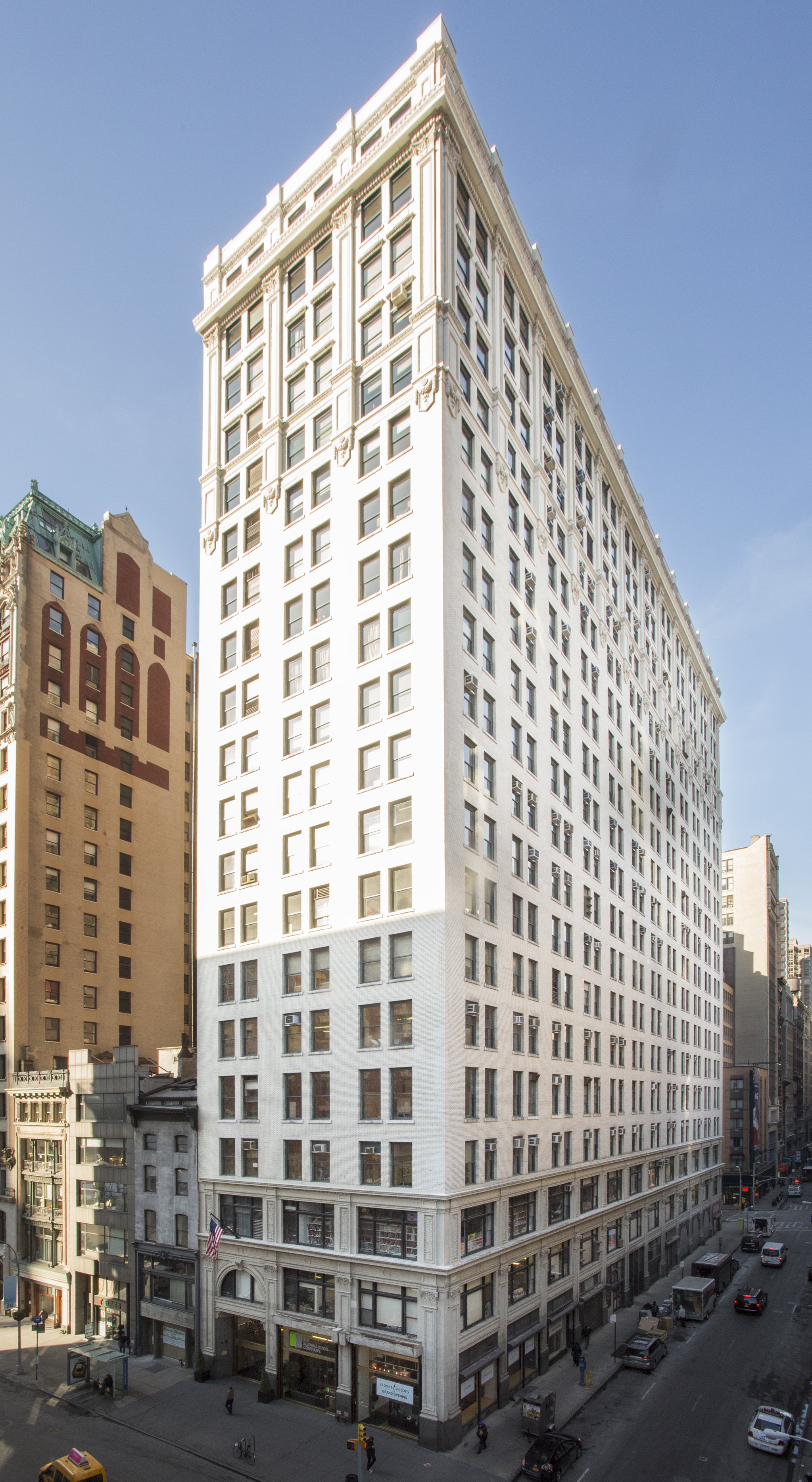 230 Fifth Ave-Retouched_JoshuaLutz_-3879.jpg