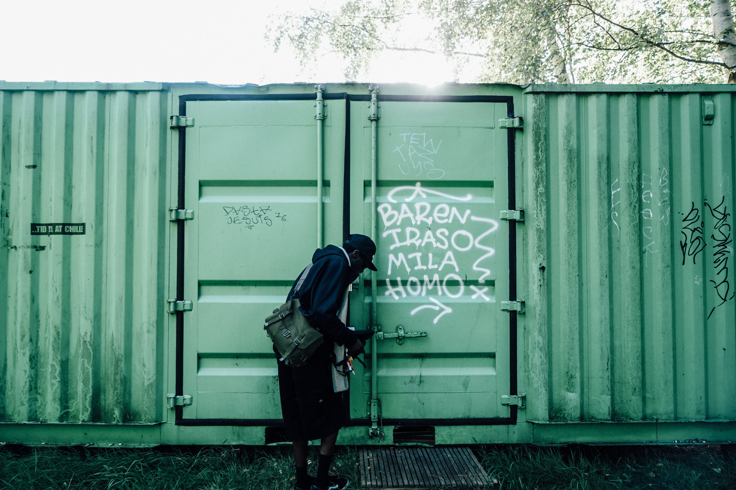 Al Agami opening shipping container
