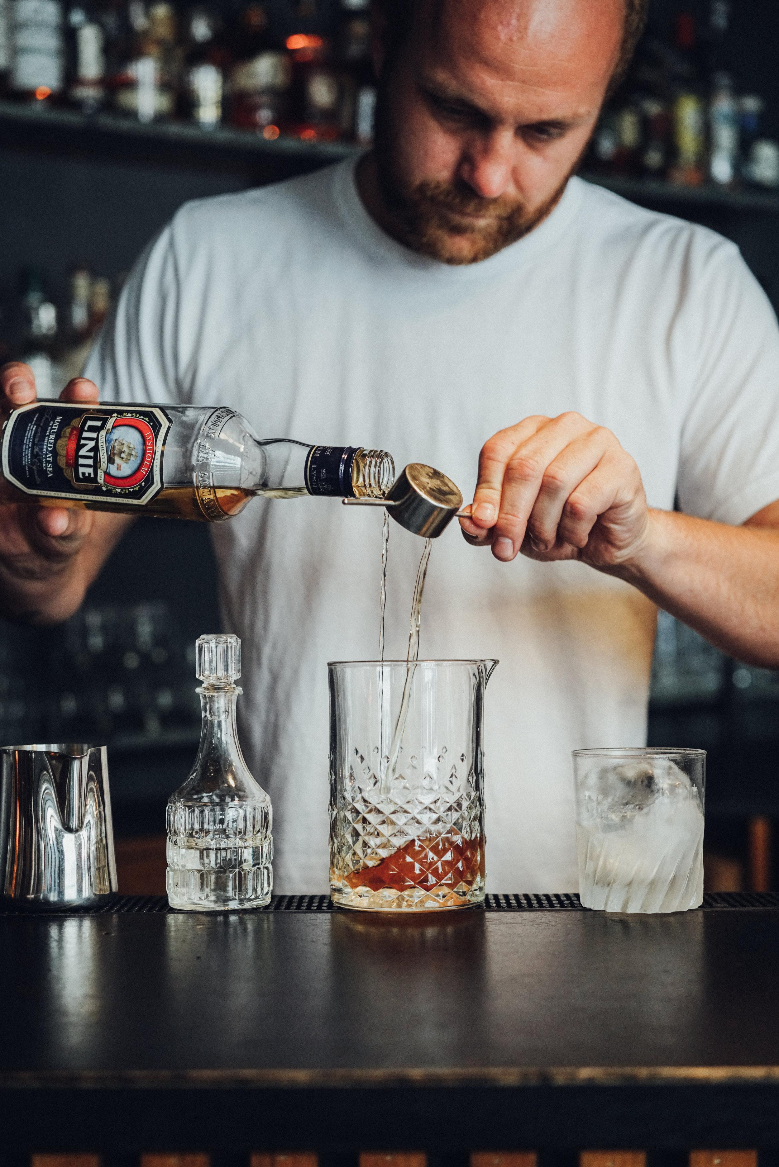 Kasper Riewe Henriksen making a cocktail step 2