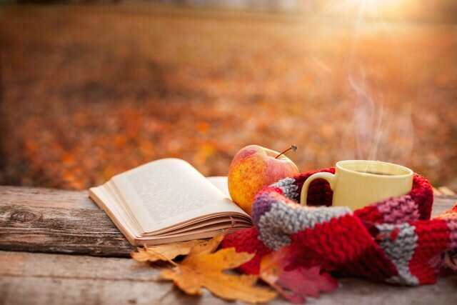 fall-autumn-apple-cozy-warm-640x427.jpg