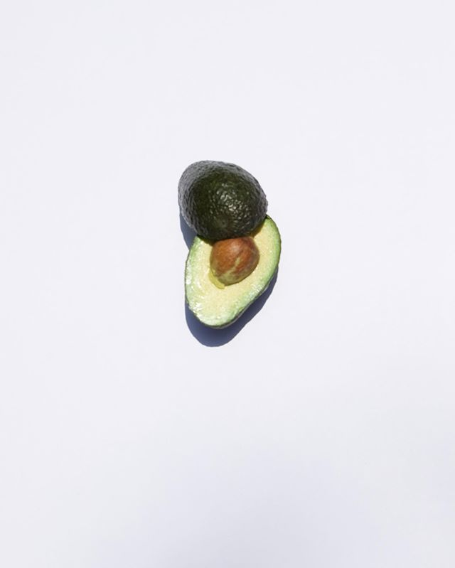 LETS TALK ABOUT THE HEALTH BENEFITS OF AVOCADOS -  THE OIL HELPS REJUVENATE AND MOISTURIZE THE SCALP. A RICH SOURCE OF PROTEINS, AMINO ACIDS AND VITAMINS. AVOCADO HELPS SOOTHE THE SCALP AND PROMOTES LONG, STRONG, HEALTHY HAIR GROWTH. SO GO AHEAD AND ADD SOME AVOCADOS TO YOUR DIET.