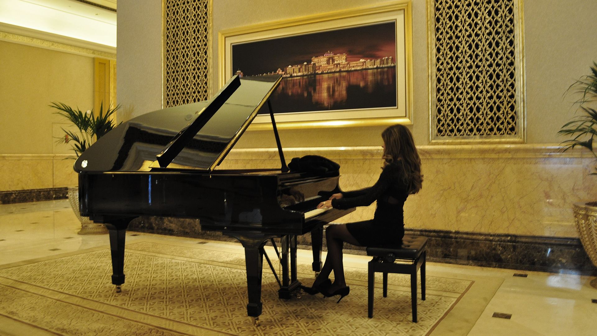 Piano in the Hotel - Superba Music Agency