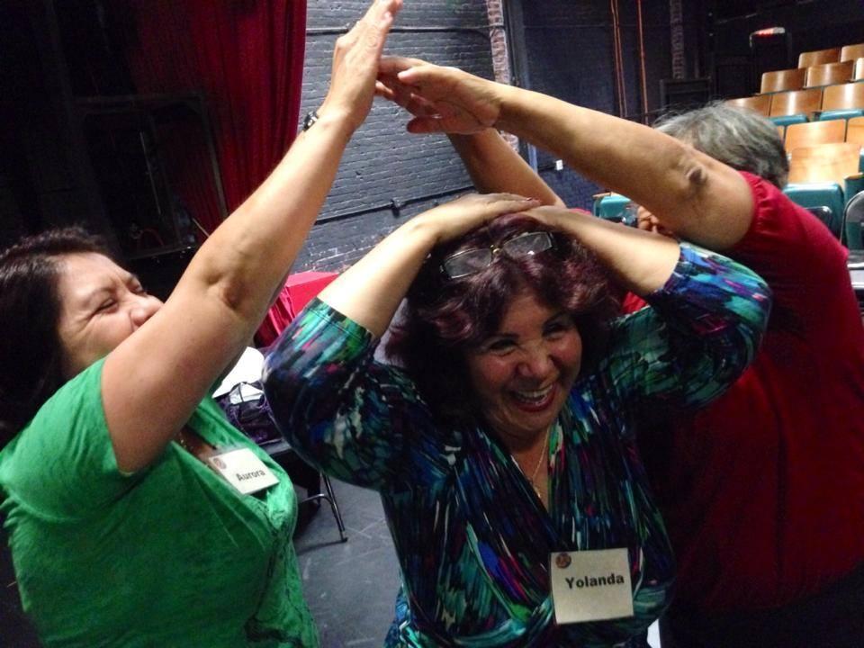 Aurora, Yolanda y Madelou en uno de los ensayos del 2014 que crearon La Víspera.Aurora,    Aurora, Yolanda and Madelou at one of the 2014 rehearsals that that created  La Vispera .    Foto/Photo: Victor Vazquez