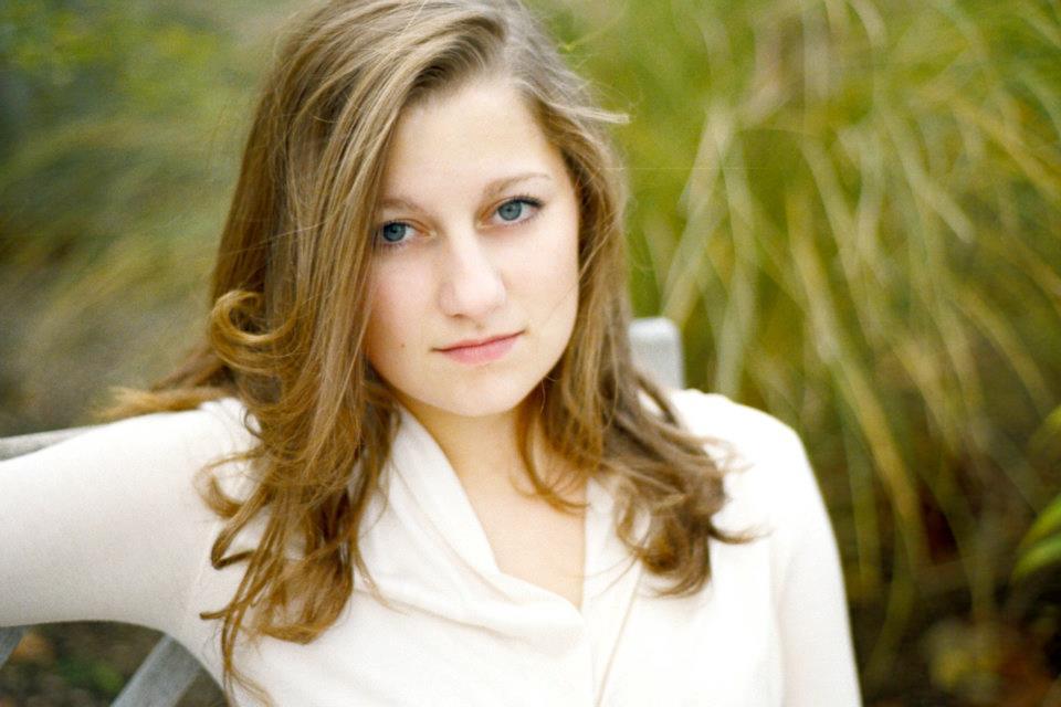 Hannah Efsits - Headshot.jpg