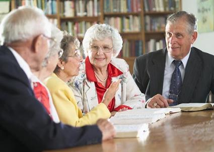 173518-425x303-Seniors-discussing-books-TS-new.jpg