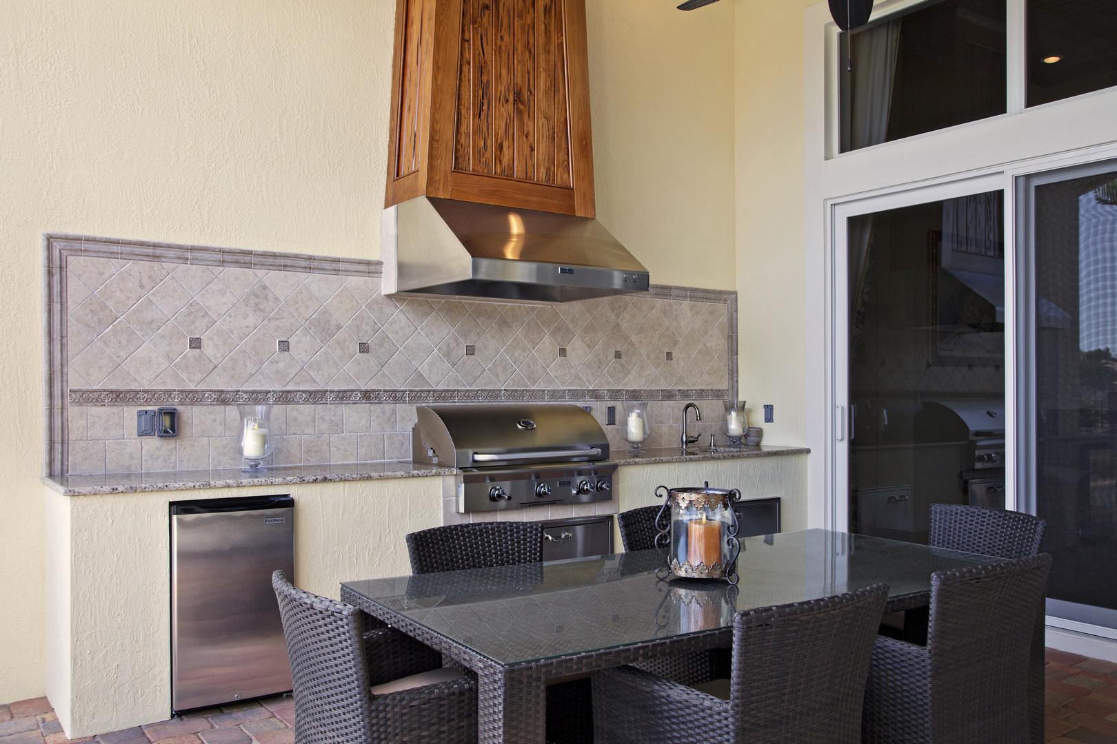 Custom Straight Build with Stucco, Granite & Hood