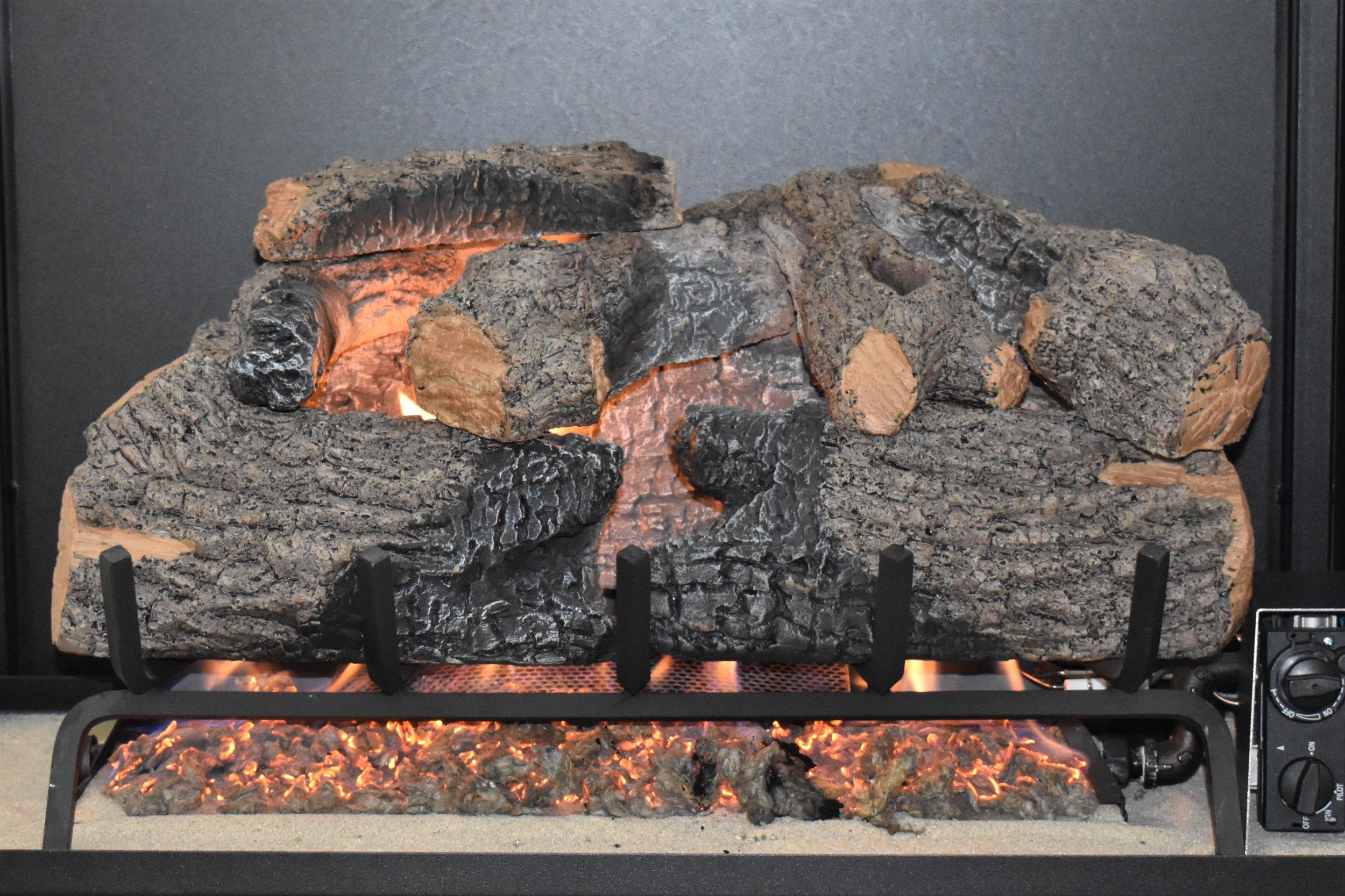 Vented Charred Oak Log Set