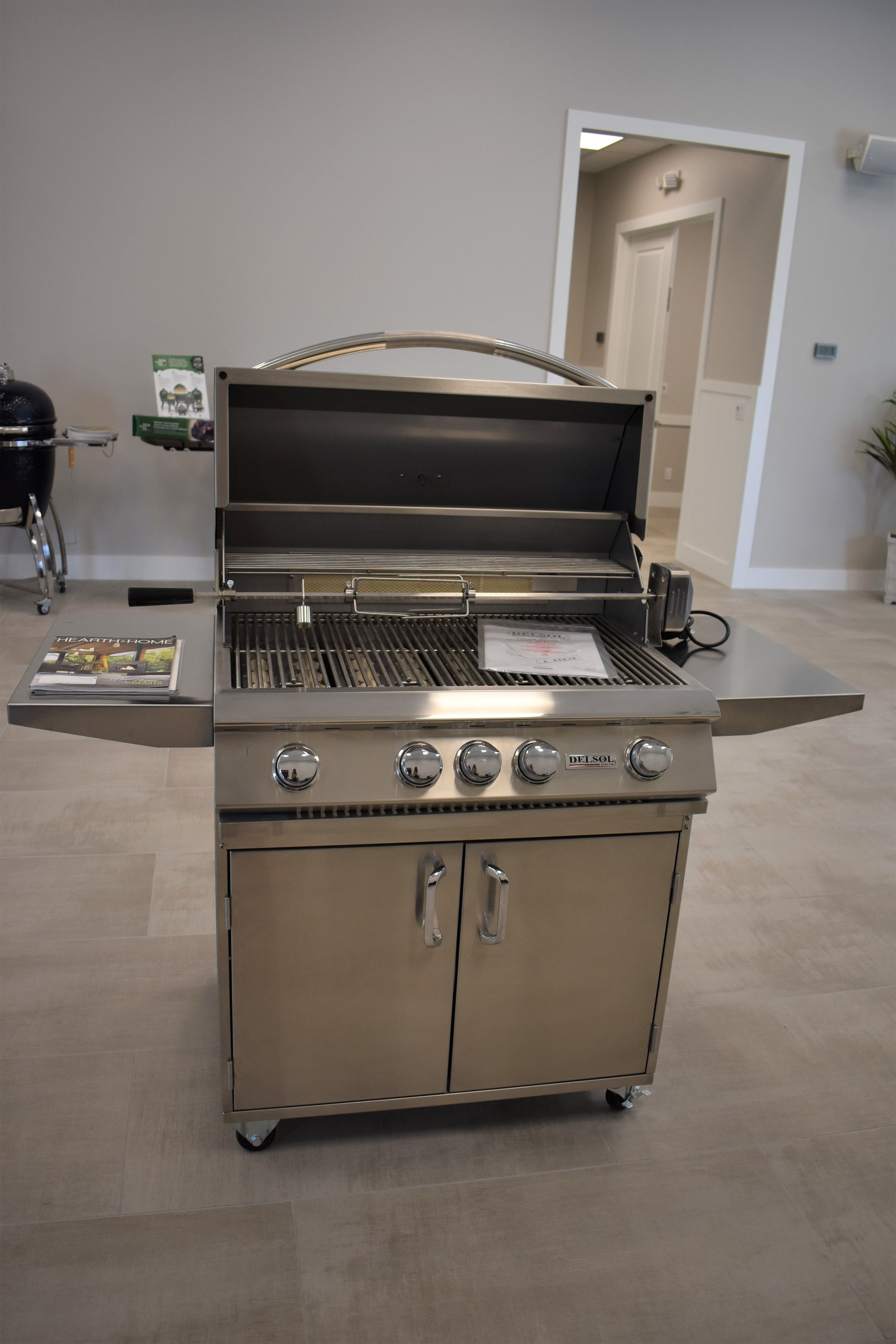 Del Sol Freestanding Gas Grill