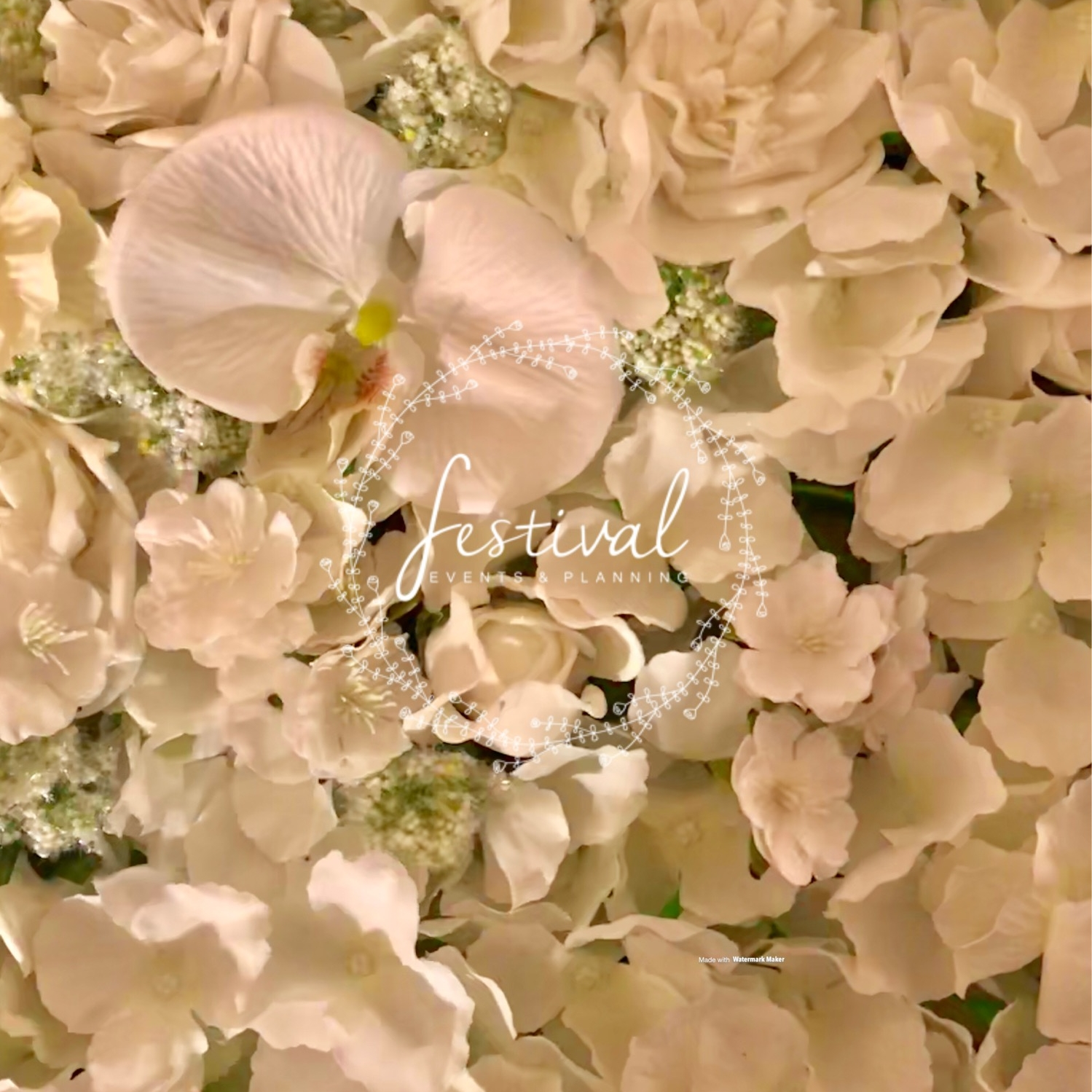 Flower wall panels available start from 2m x 1m and are hand crafted to perfection for your day. There are no limits when it comes to the size.