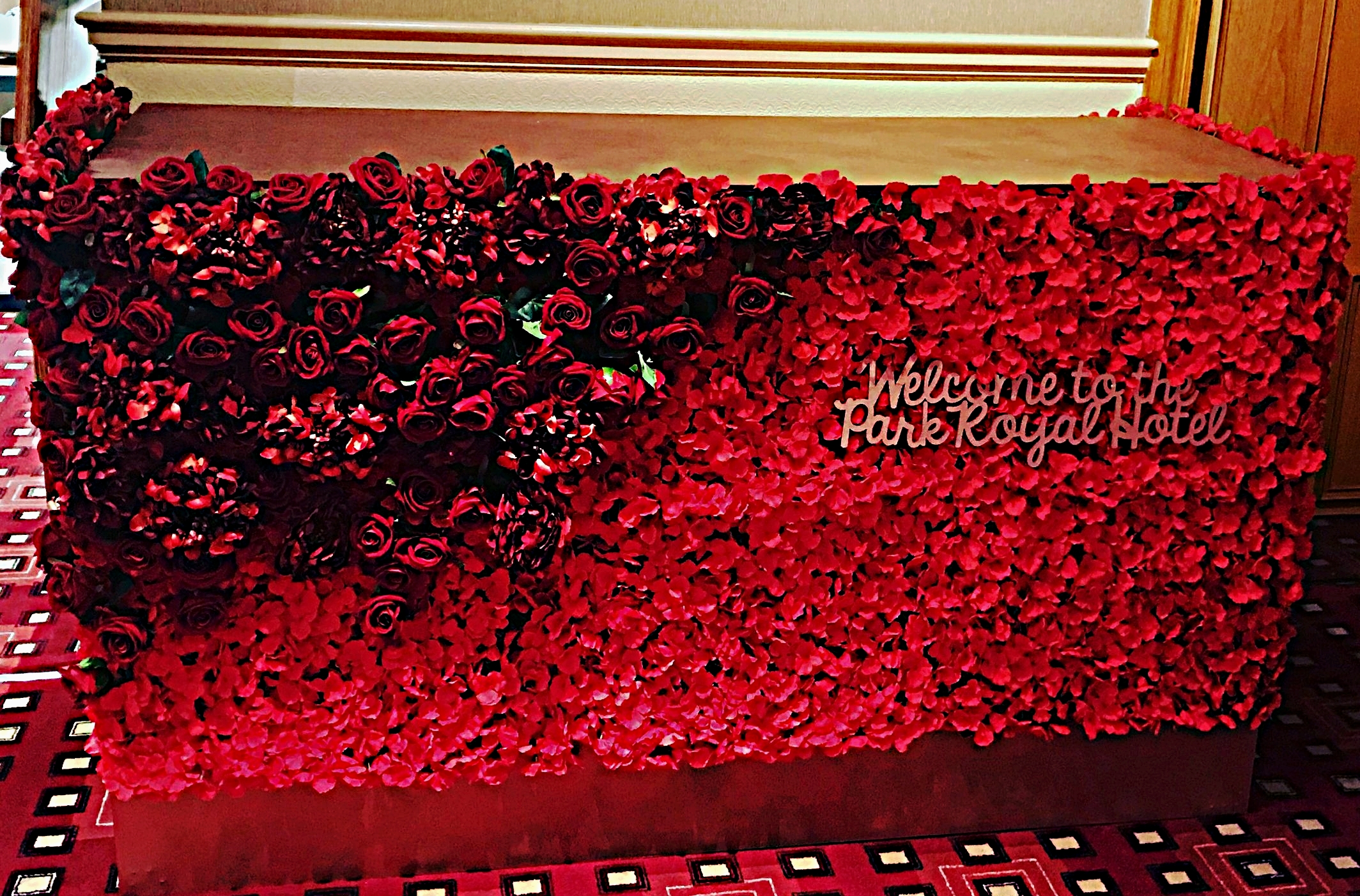 Stunning bespoke Flower bars which can be personalised through any of the base colours