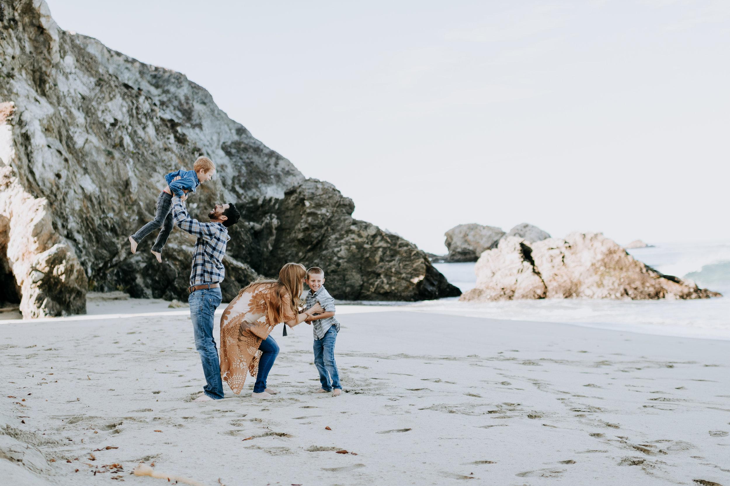 big sur family photographer adventure