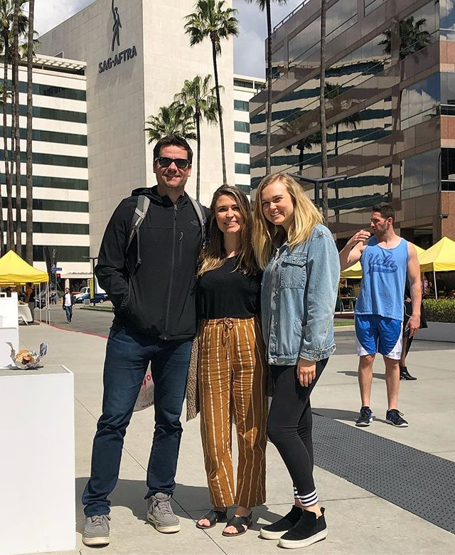 Great day for the Farmers Market with our resident Nutrition Specialist @britkneebradley ⠀⠀⠀⠀⠀⠀⠀⠀⠀⠀⠀⠀ ⠀⠀⠀⠀⠀⠀⠀⠀⠀⠀⠀⠀ P.S. Shoutout to the #bro in the background asking which way the gym is 😂