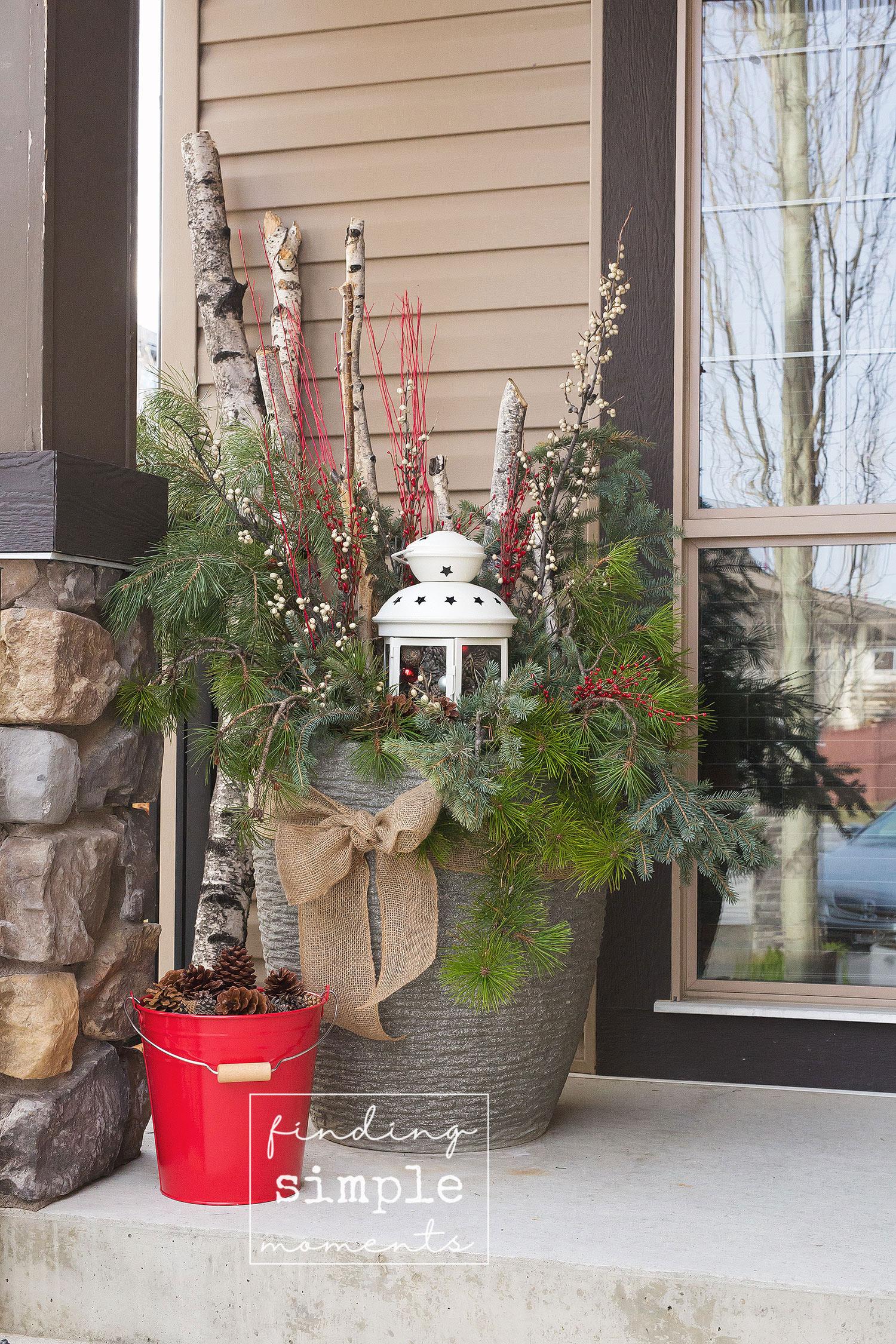 diy-winter-planters-17.jpg