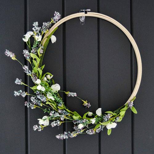 DIY Spring Hoop Wreath tutorial from  LEMON thistle