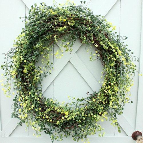 Boxwood (type) Wreath tutorial from  Hometalk