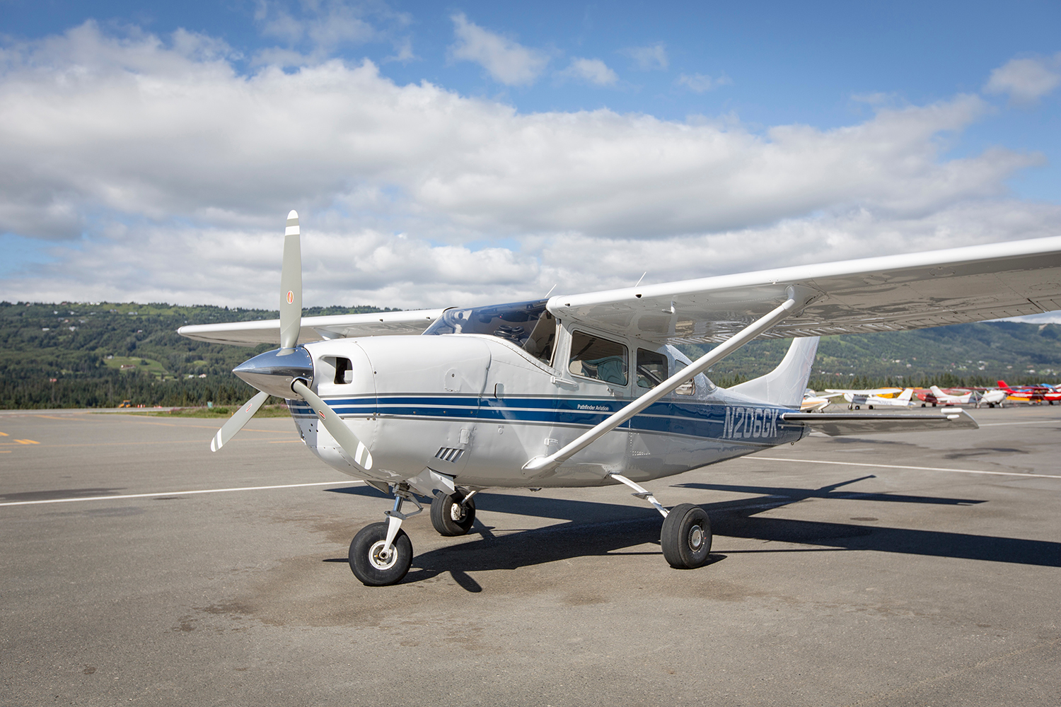 Cessna 206 - Descriptive Copy