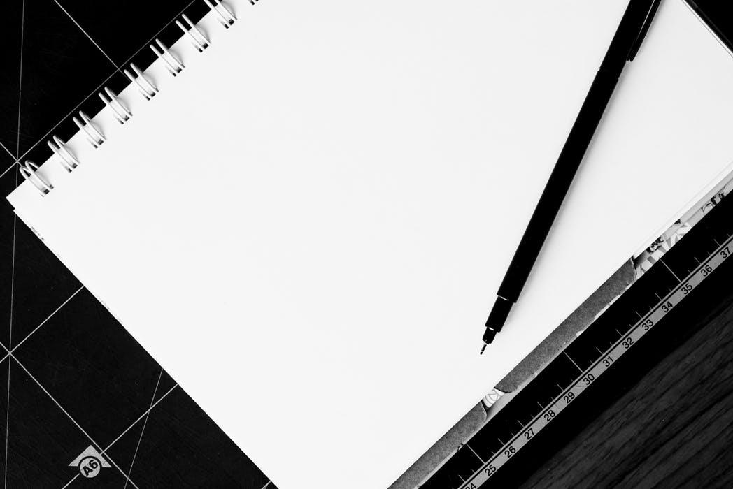notebook-pen-table-blank-158829.jpeg