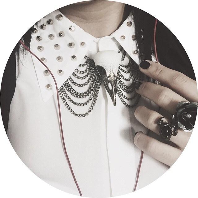 bronze magpie bib necklace.jpg