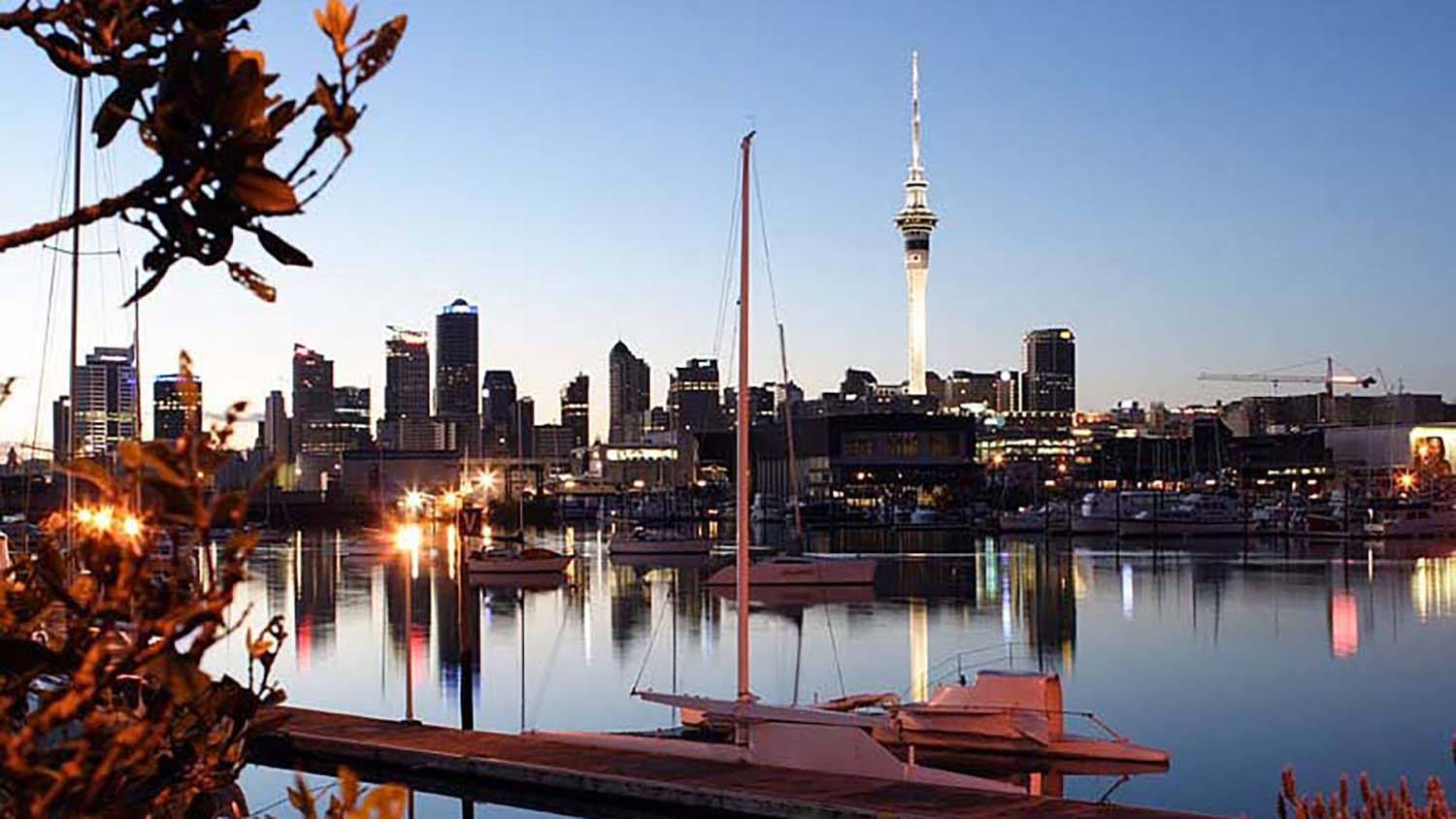Auckland_New_Zealand_Skyline_from_Westhaven_Marina.jpg