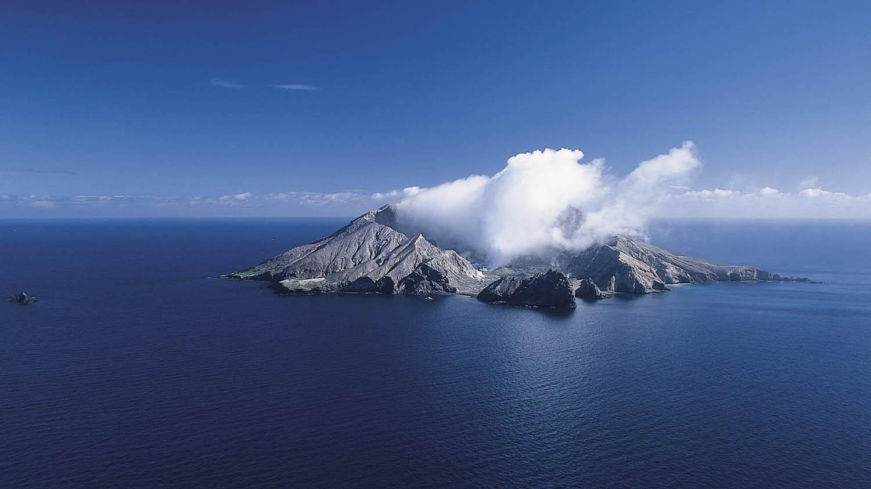 White Island 903277.jpg