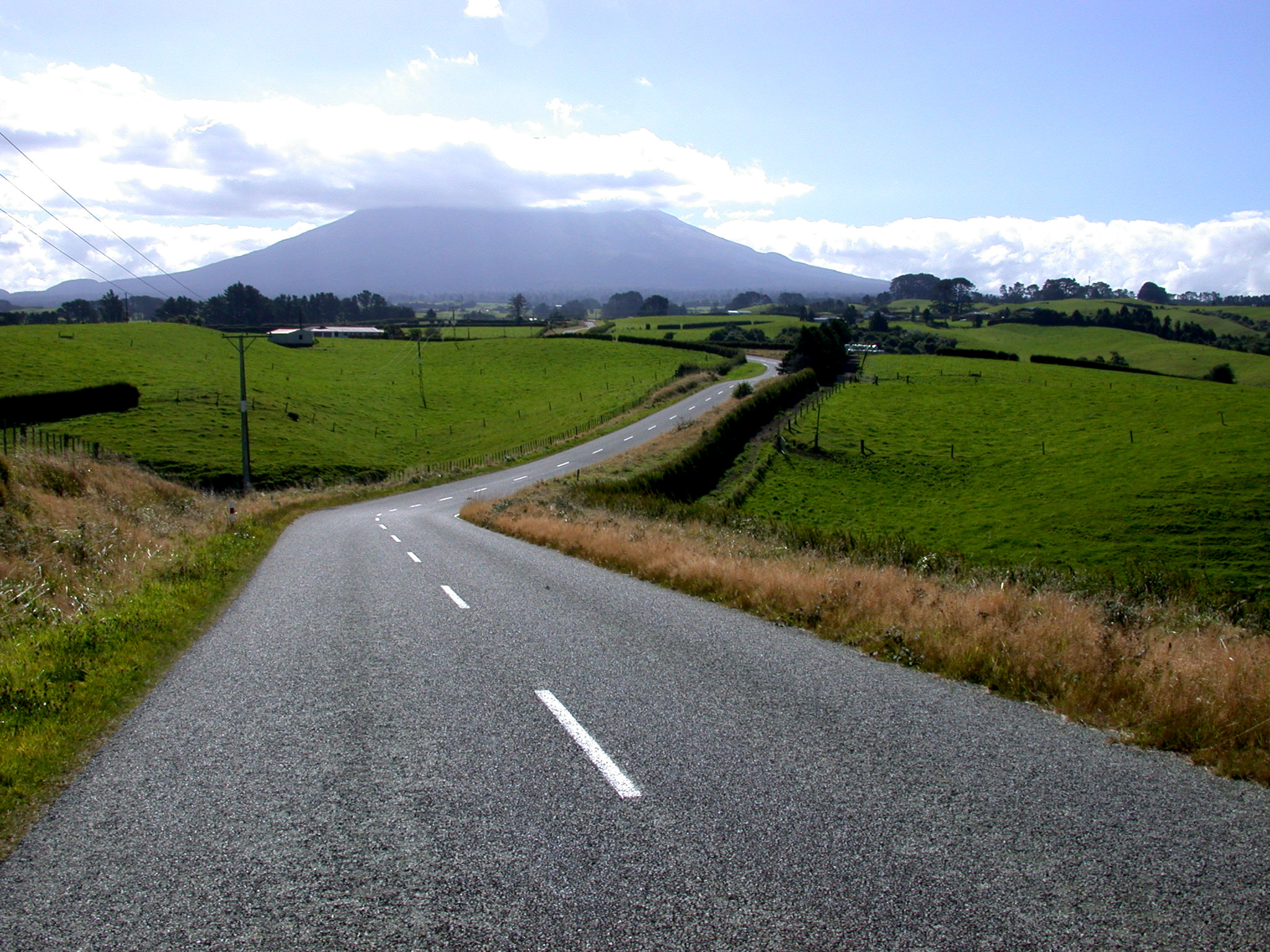 Country road Eltham.jpg