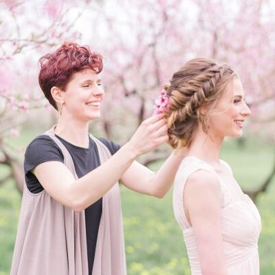 Tomorrow is my last wedding of 2018 and I'm excited to work with @mua_denise_ ! Also, I kinda miss these cherry blossoms... Christmas lights are a good substitute though :) • • • • • #hairfashionandbridal #wedding #2018 #updo #bride #hair #style #hairstyle #behindthechair