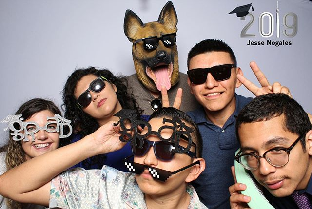 🎓 hats off to all the class of 2019! We're proud of your next chapter. #photoboothlascolinas #fortworth #photography #photobooth #chickenscratch #oakcliff #grad #dbu