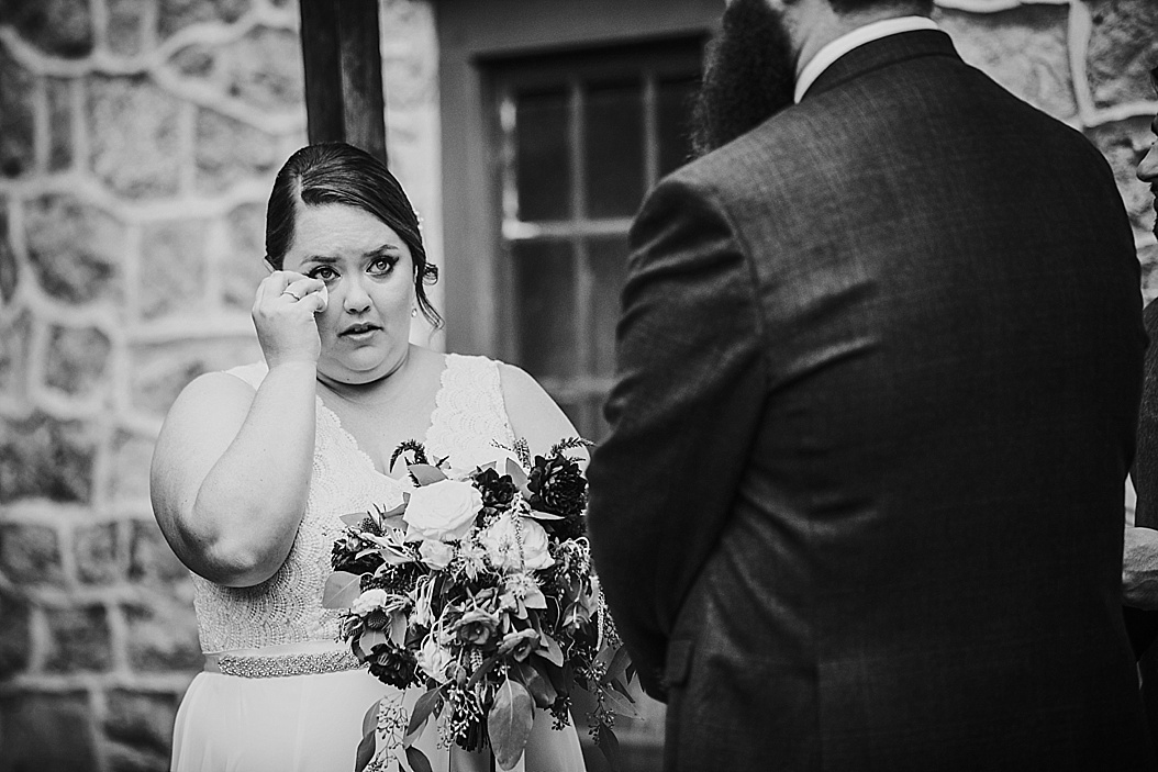 Luckenbach-Mill-Bethlehem-Wedding-Photographer_0025.jpg