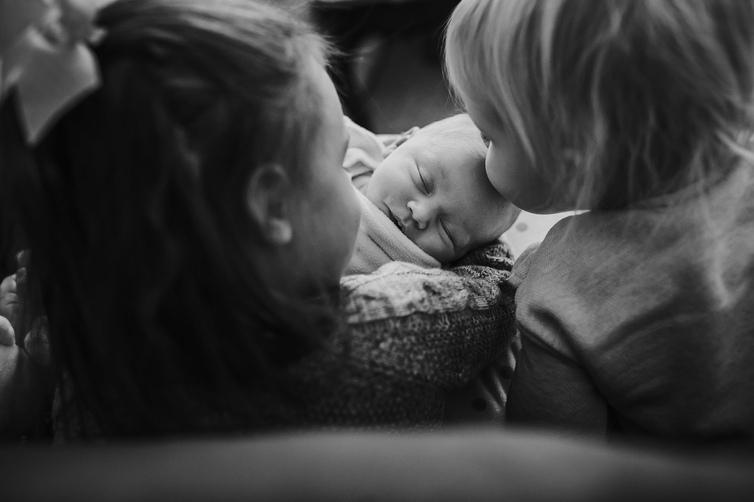 Lehigh-Valley-Documentary-Newborn-Photographer_0007.jpg