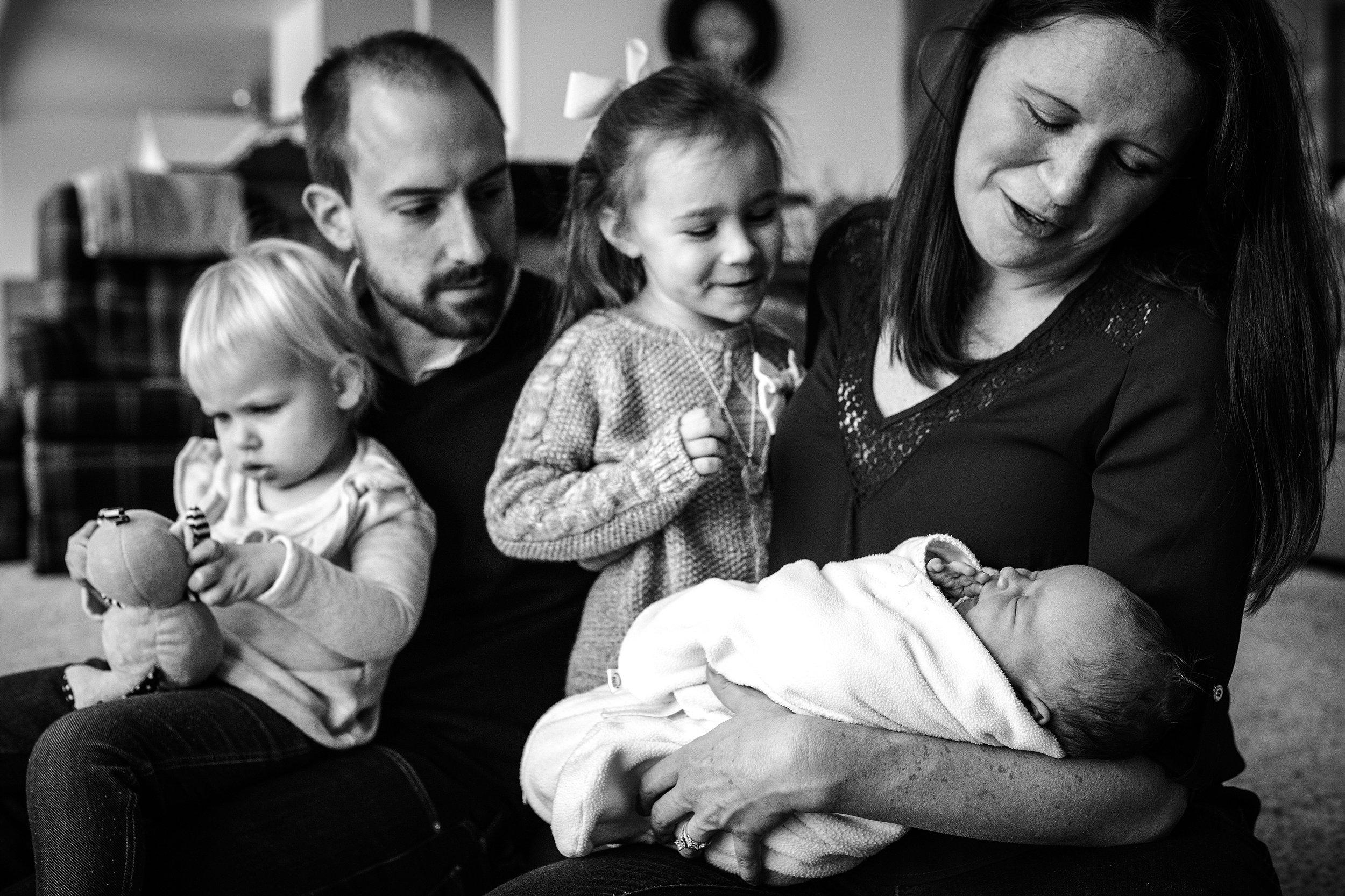 Lehigh-Valley-Documentary-Newborn-Photographer_0024.jpg