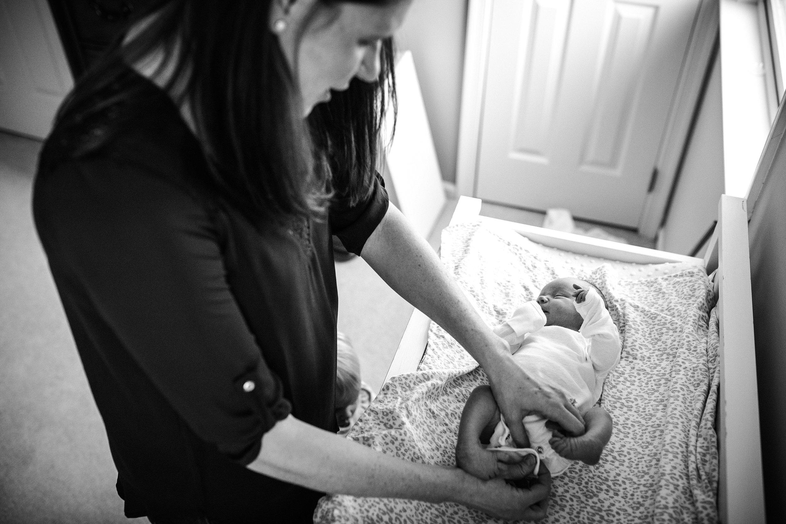 Lehigh-Valley-Documentary-Newborn-Photographer_0034.jpg
