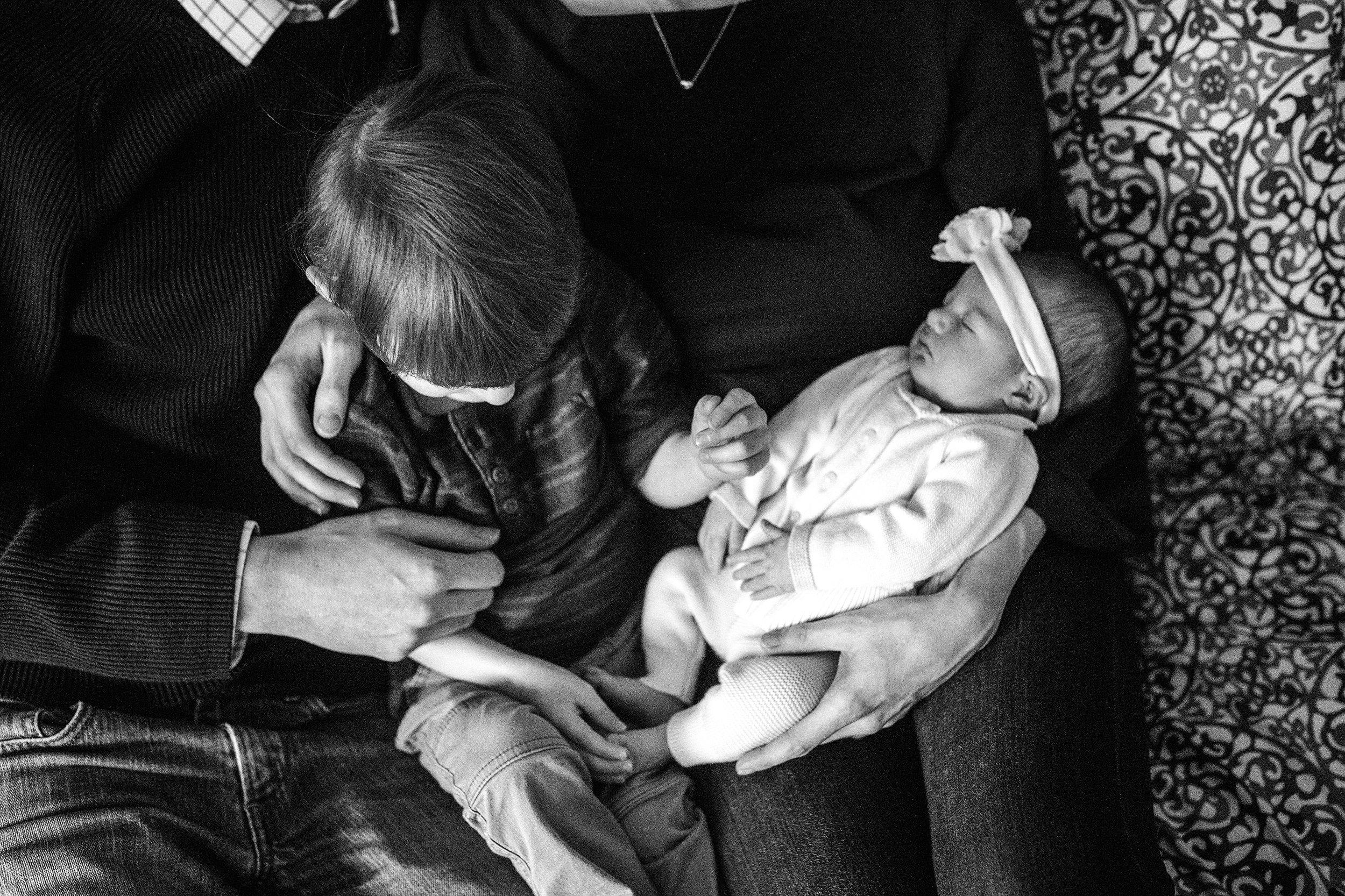 Lehigh-Valley-Newborn-Documentary-Photographer_0013.jpg