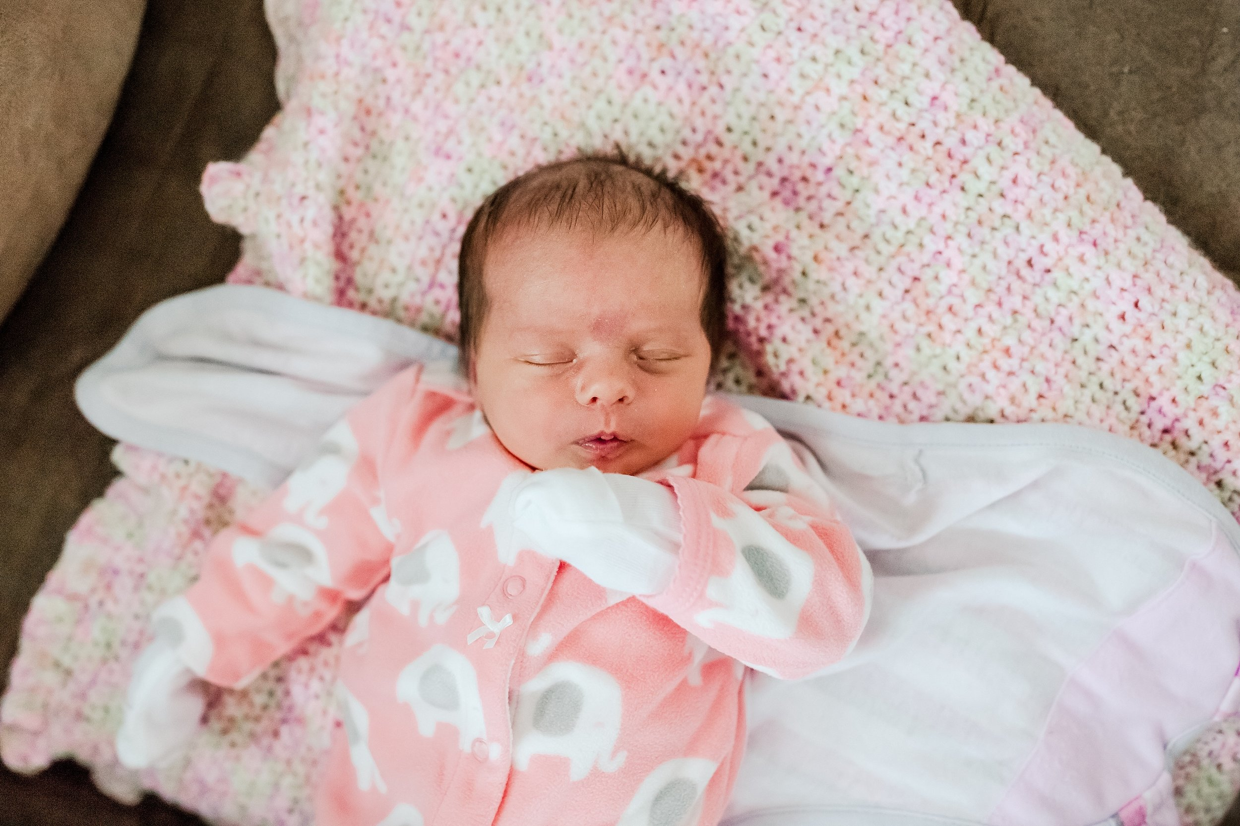 Lehigh-Valley-Newborn-Photographer_0006.jpg