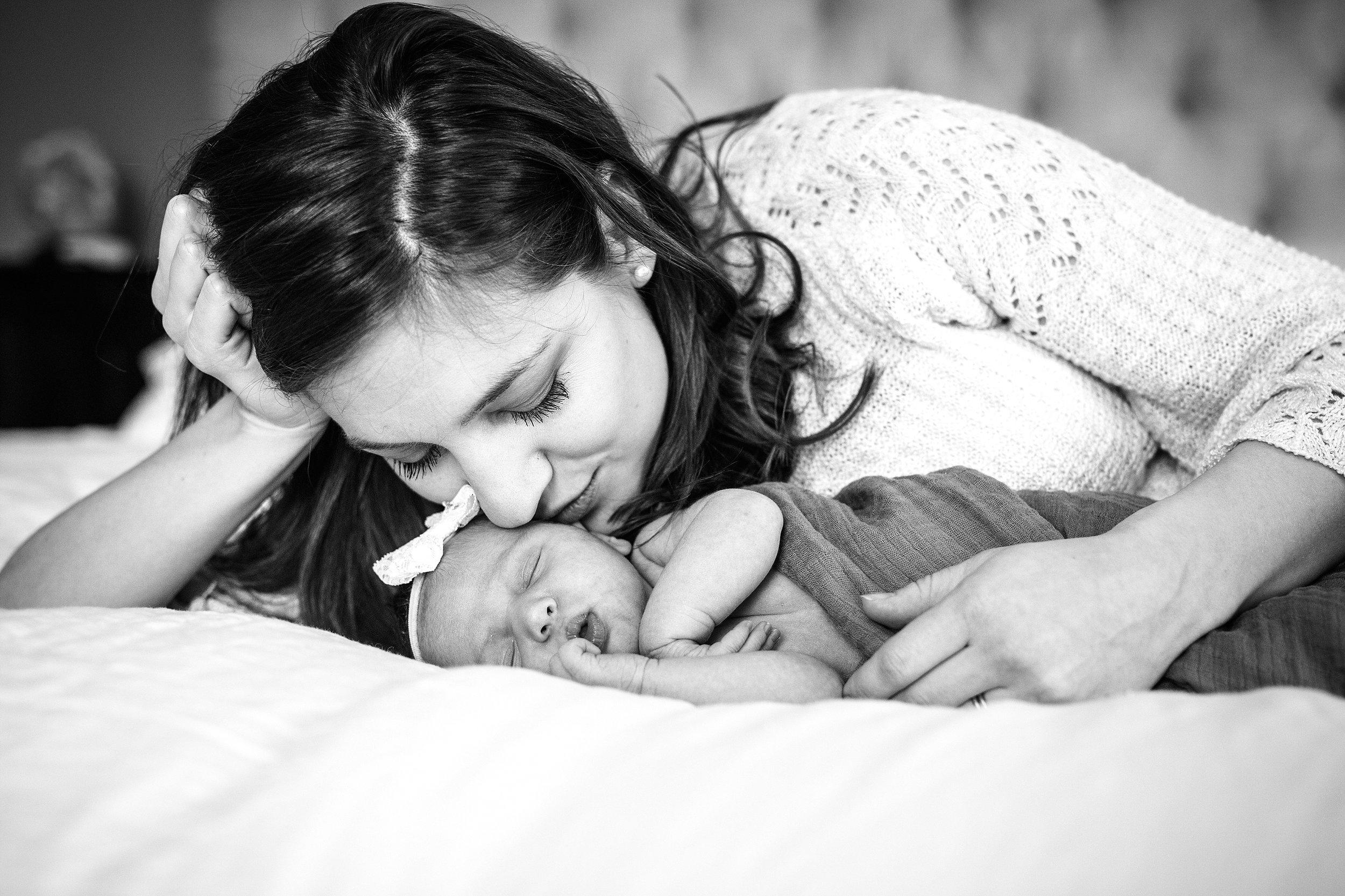 Lehigh-Valley-Newborn-Photographer_0002.jpg
