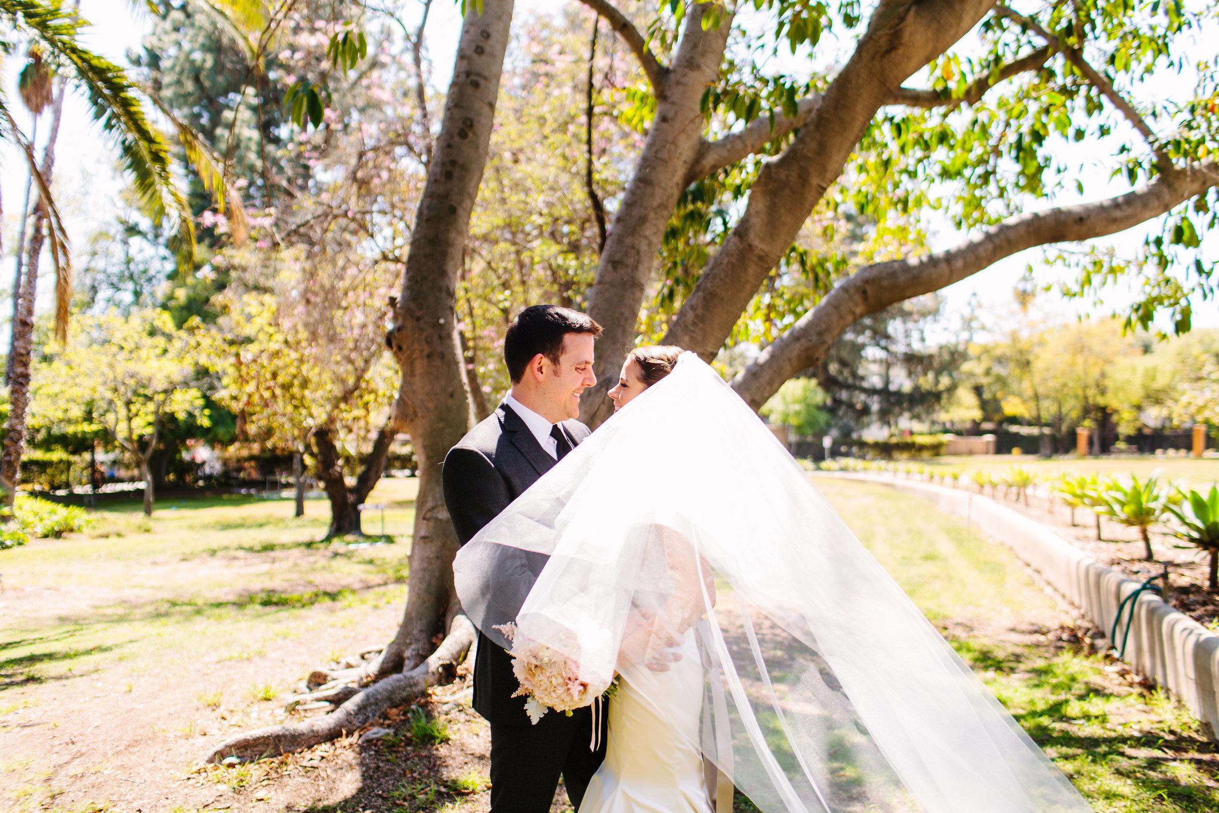 Vinny&MackenzieVillaDelSolD'OroWeddingPhotos-LosAngelesWeddingPhotographerLauraPedrino-20.jpg