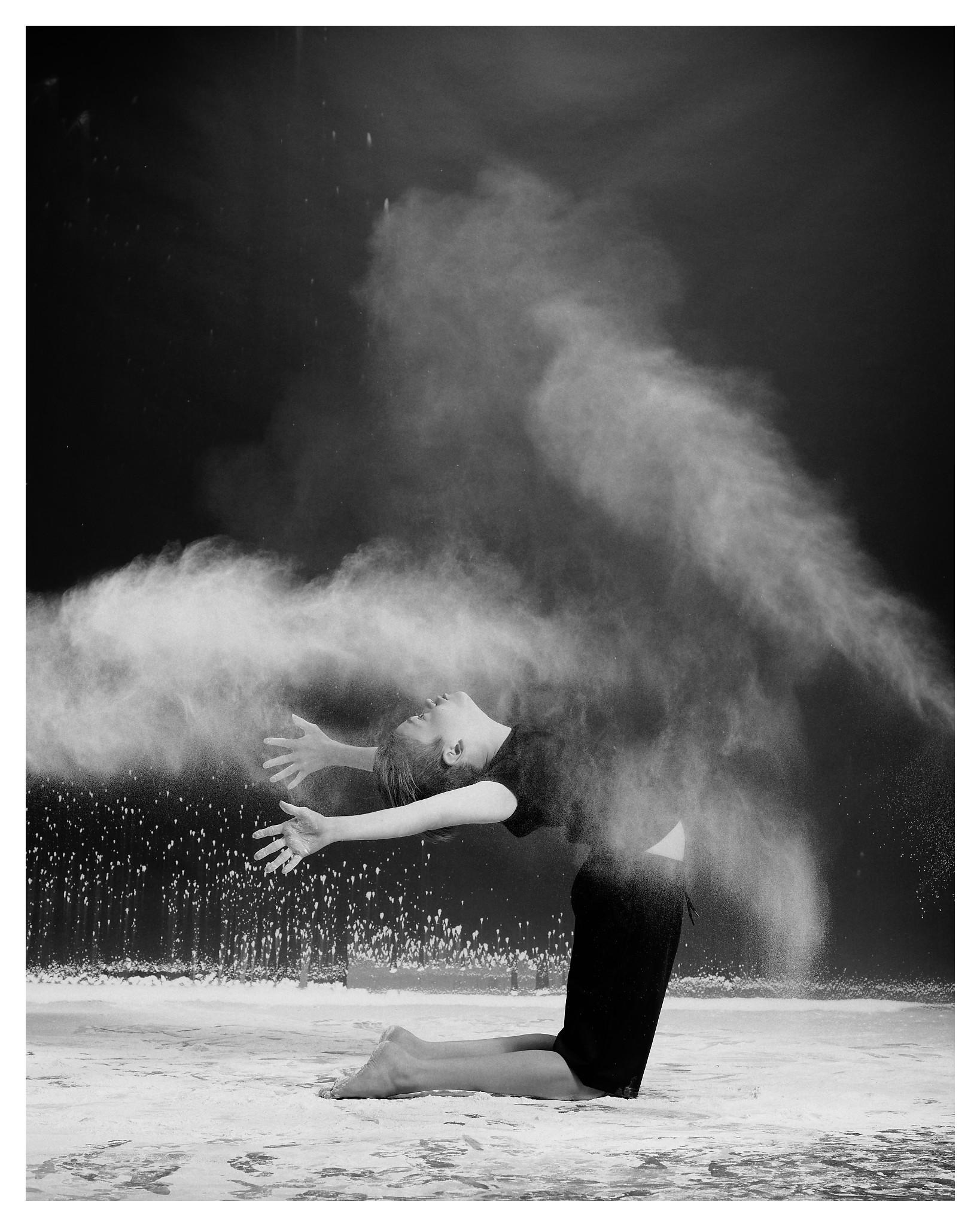 00123_DanceCo-Flour_©2019-The-Lotus-Studios-inc_190820_DxO.jpg