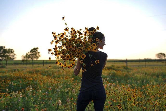 Austin-florist-the roots-about us-farm-flowers-local
