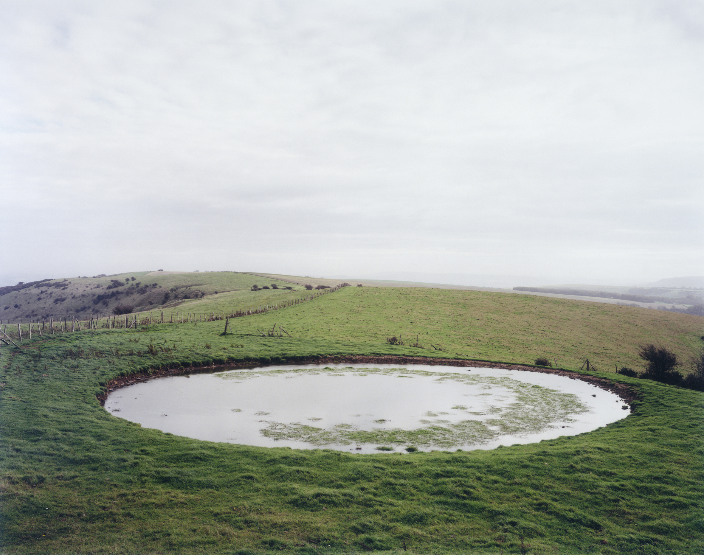 Dew pond, Ditchling Beacon Sussex 1999.jpg