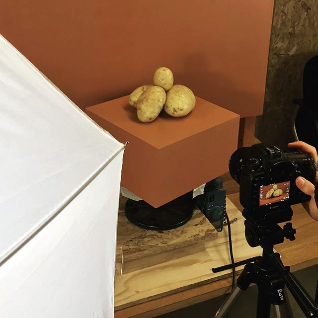 Creating our new promo video today with help from the magnificent @dannyalviscole see if first at Grand Designs live as part of the Kevin's green hero's exhibit or wait a little longer and we will post it very soon.  #potato #design #material #sustainability #eco #circular #fashion #film #innovate #chipsboard #vegan