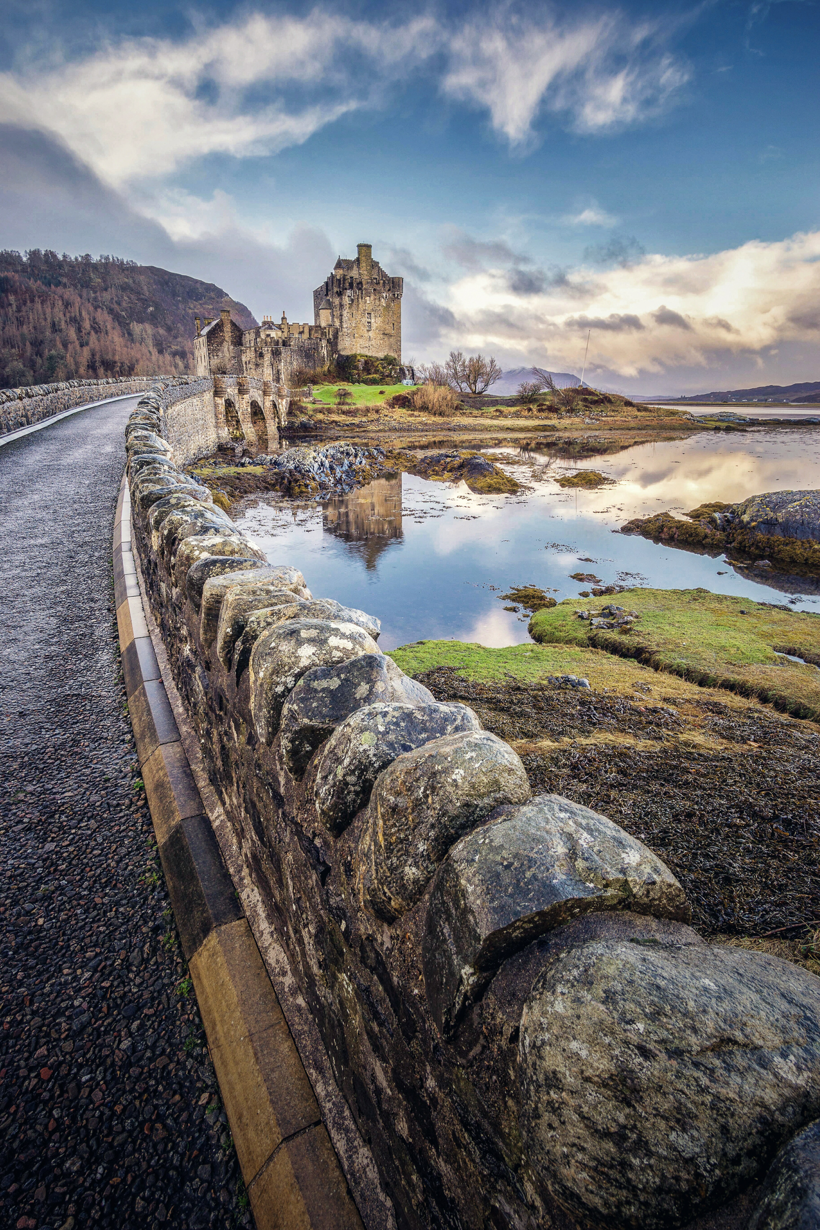 The picturesque Eilean Donan Castle is the first thing you come across when visiting Skye