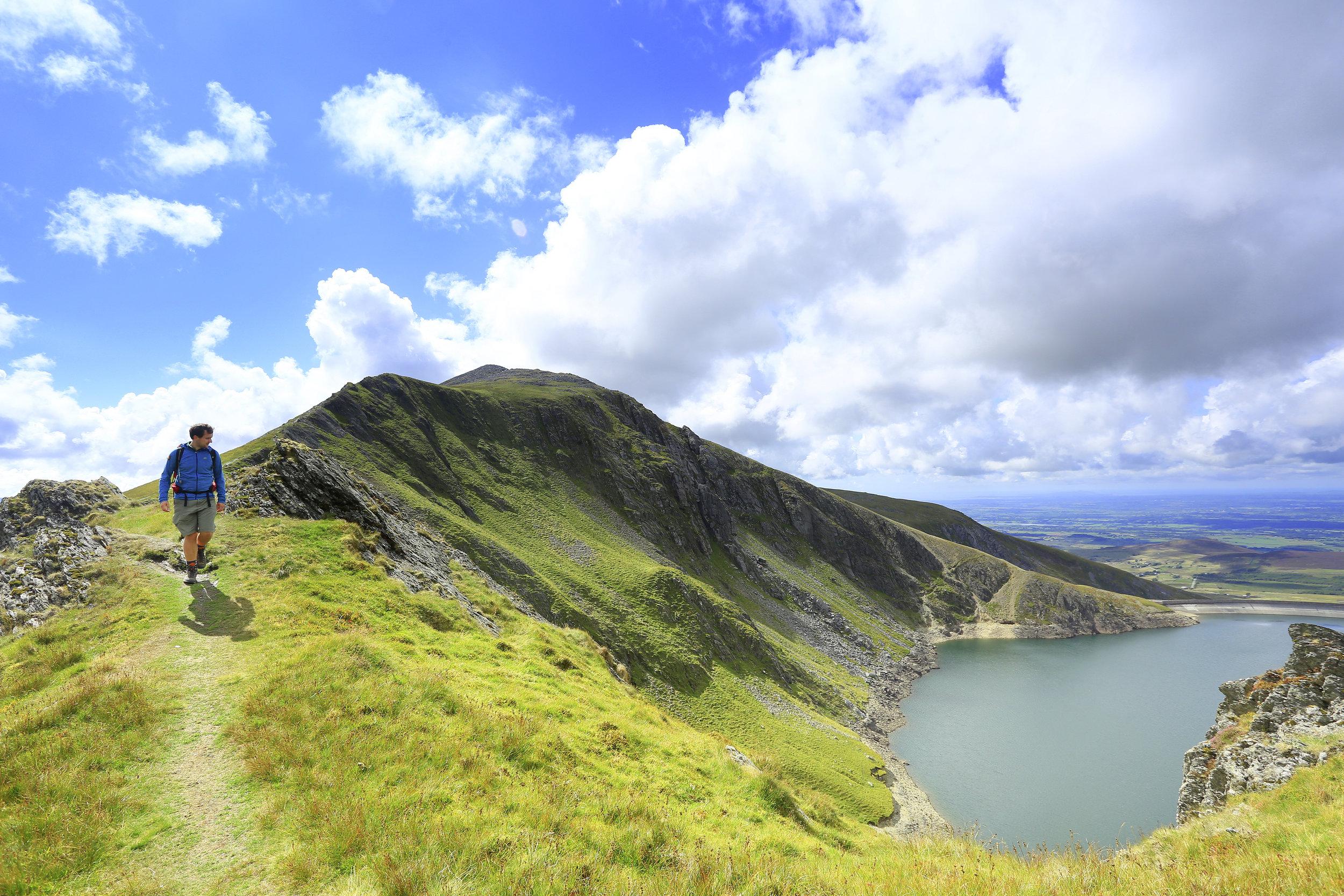 368 Heading from Elidir Fawr towards Mynydd Perfedd North Wales Snowdonia Slate Quarries.jpg