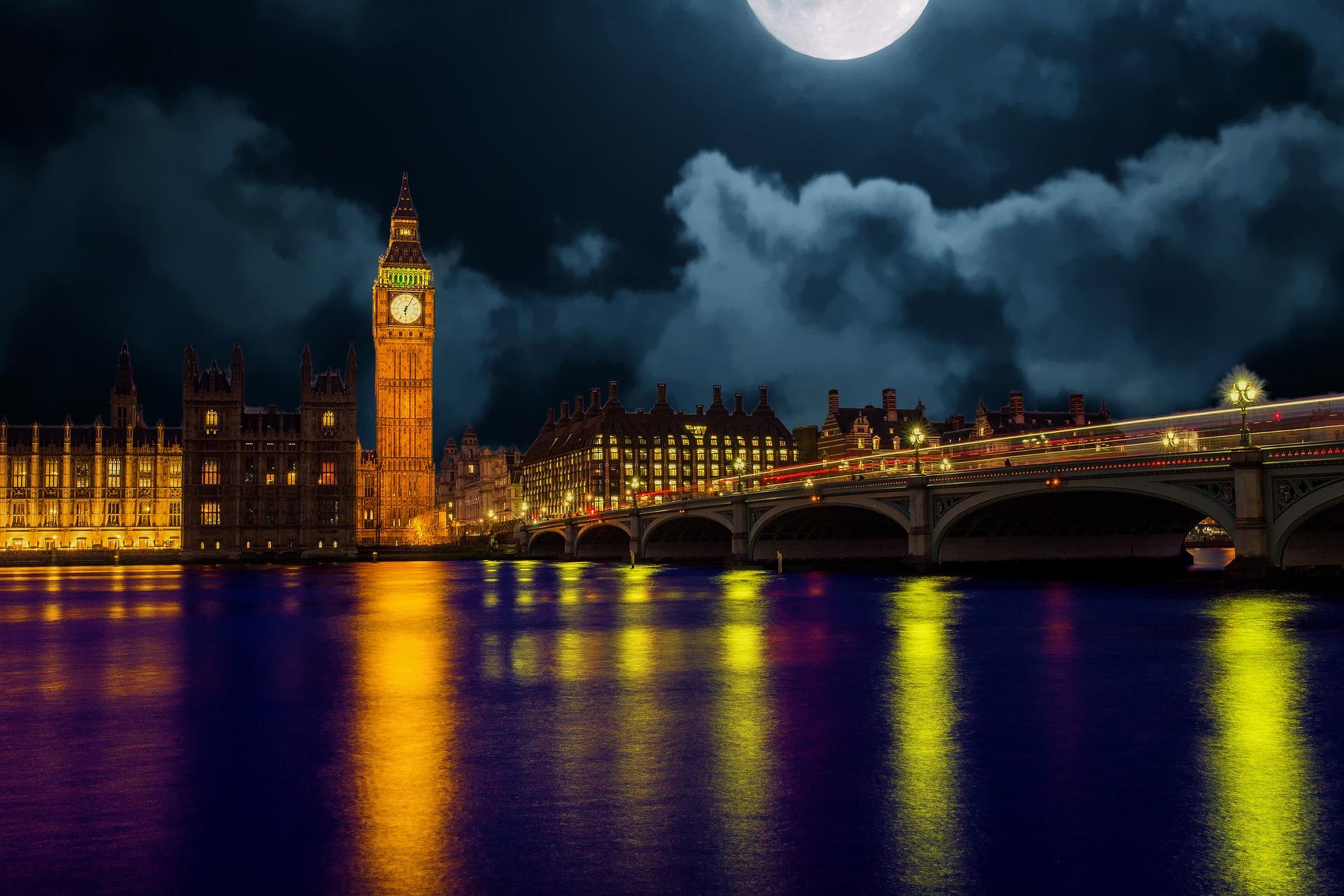 london-2262915_1920.jpg
