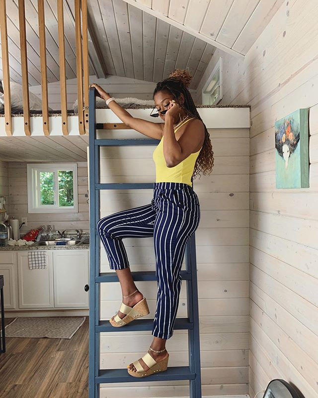 The face you make when things don't go as initially planned.. or when you're trying to stunt in a tiny house. Take your pick 🤷🏾‍♀️ . . In an age where everyone is a 'guru' or an 'expert', it's important to still embrace newness. This is your reminder that: 💕It is OKAY to be a beginner at something. 💕It is OKAY to be the small fish in a big pond. 💕It is OKAY to accept CONSTRUCTIVE criticism. 💕The 'expert' was once a beginner, and there's ALWAYS room to learn more. . . In this new month I encourage you to try something you've never done before. Get out of your comfort zone. Objectively listen to feedback without being reactive. Allow yourself to grow beyond any limits you previously thought were set. You might discover a new hobby, new revenue stream, a new love, or even a new home ✨ Just remember that your possibilities are endless! #MindfullyMOTIV8 . . Speaking of which, Portland and Colorado Springs were two INCREDIBLE trips for a New Yorker like me who always thought she 'hated' nature. Ya never know until ya try 🤷🏾‍♀️ can we take a second to talk about how CUTE this tiny house is?! Okay bye hahah! . . . #selfie #webstagram #blackgirlmagic #tweetgram #yogi #confidence #instaphoto #instadaily #instacool #healing #instagram #OOTD #mood #love #photooftheday #entrepreneur #blessed #melanin #healing #blackauthors #happy #smile #nofilter #joy #Peace #browngirlbloggers #blackauthors #spiritual