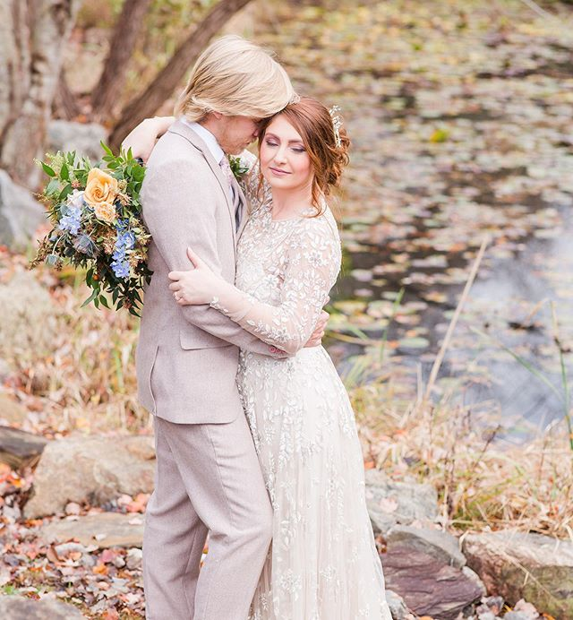 In case you missed it, this gorgeous styled shoot we loved being a part of was featured on the @theperfectpalette this week! Makeup by Sarah with @powdermepretty.  Photographer @mcsweenphotography  Florals @floraasheville  Venue @honeysucklehillevents  Rentals @mingleevents  Cake @50fiftyevents  Calligraphy @joyunscripted  Hair stylist @ermc_hairstylist