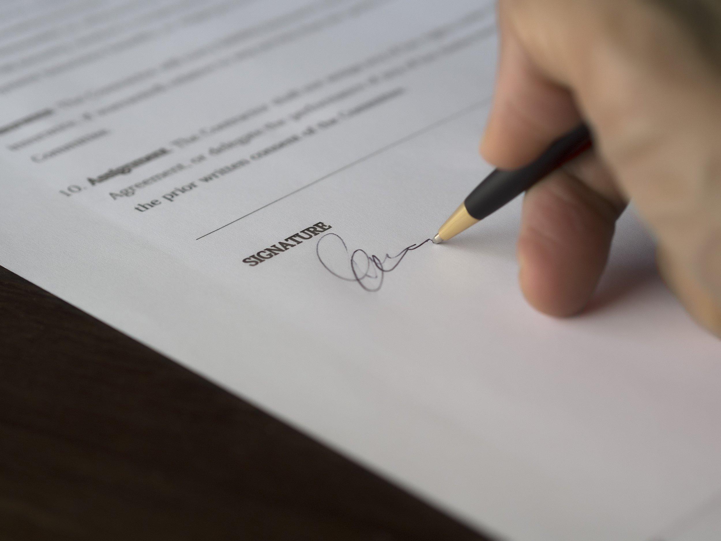 009.Signing.jpeg