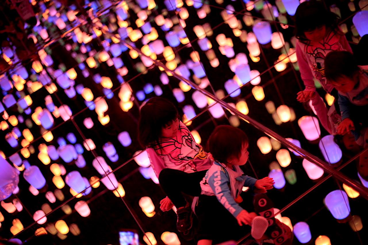 Children play in a lantern exhibit in Tokyo, Japan. Photo courtesy:  Kuba Wasowicz .