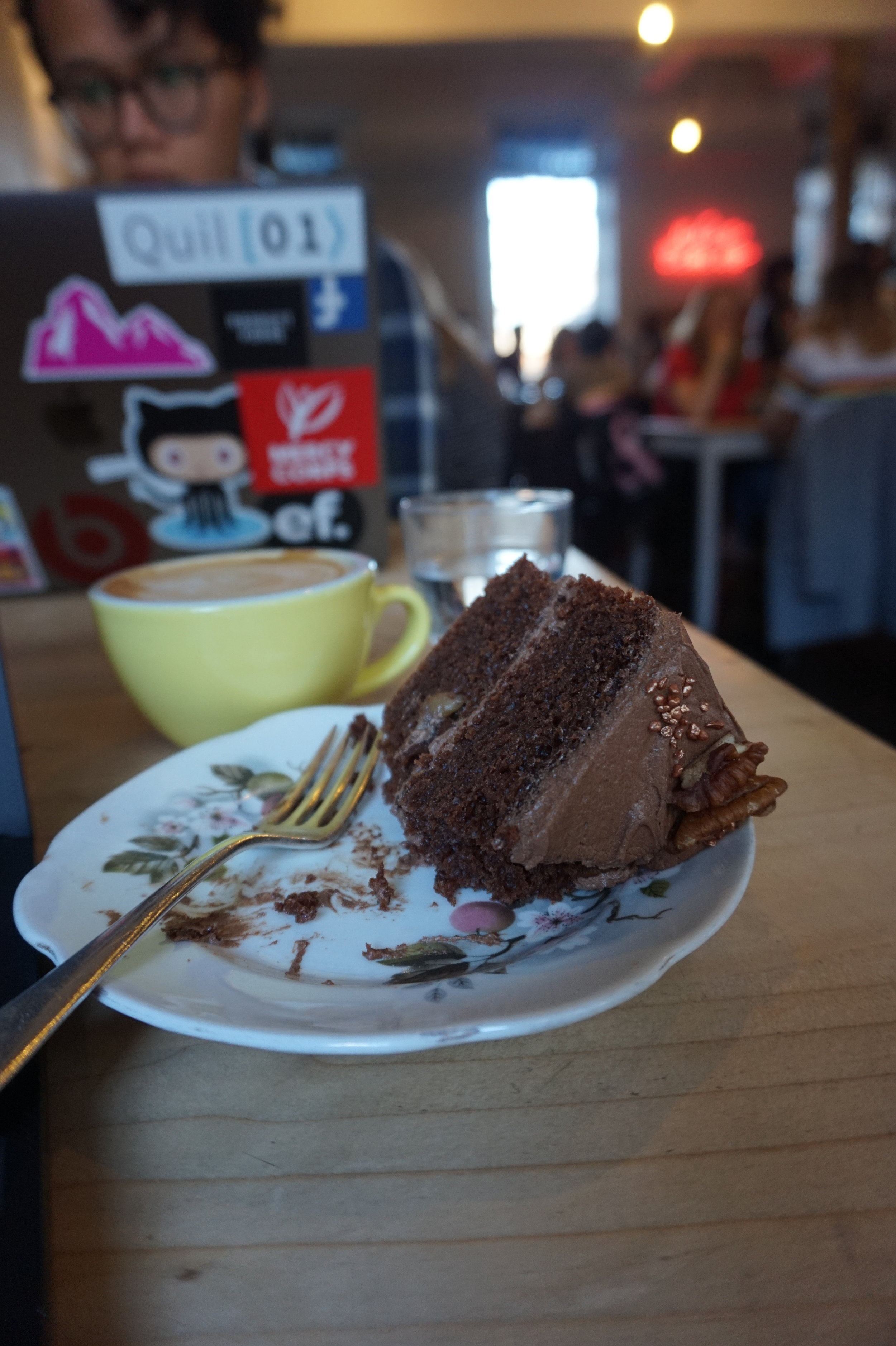 CHOCOLATE CAKE AND WIFI AT LOVECRUMBS - WHAT MORE COULD A GIRL WANT?