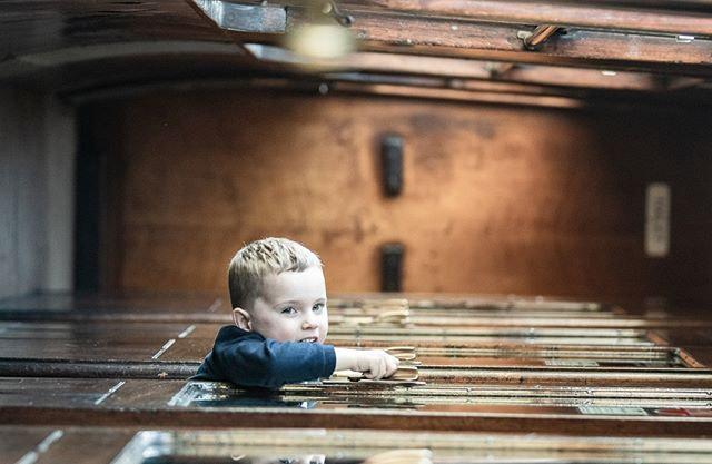 A cheeky picture of my nephew at @severnvalleyrailwayofficial in one of the old loco carriages. #playing #oddangle #childphotography #laughing #steamengine #SteamEngine #steamengineering #SteamEngines #train #railway #traveling #travel #steamtrain #steamlocomotive #railway #railwaystation #ukrailscene #steamtrains  #classictrains #classictrain #steamlocomotives #trainspotting #railfan #railwayphotography #locomotive #steamengine⠀