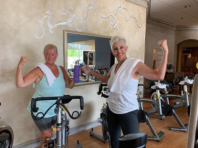 We get by with a little help from our friends 👭 One of our amazing clients Karen hasn't done cardio in over 15 years. Yesterday she crushed it in her first #spinlates class, sailed through like a pro with a lot of love and encouragement from her spinmate Krystine. This is what TruCore Pilates and @movestudiopilatesfitness is all about. We want to continue to create a loving and encouraging community for our clients. 💕 #lakezurichpilates #kildeerpilates #lakezurichevents #arlingtonheights #arlingtonheightspilates #lincolnshirepilates